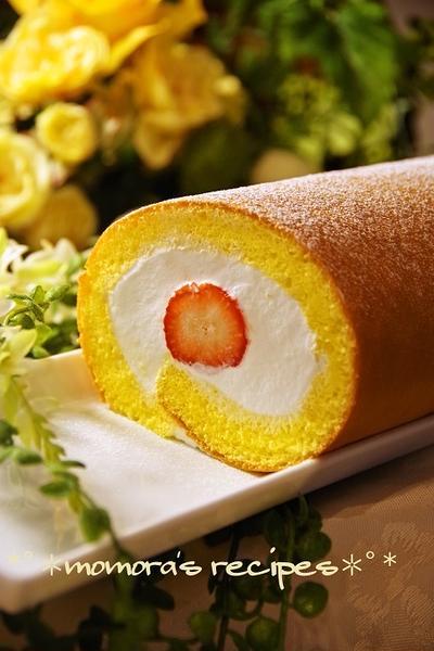 クックパッドつくれぽ200人お礼「生地材料3つ♬ふわふわ簡単ロールケーキ」ひな祭りやホワイトデーお菓子に
