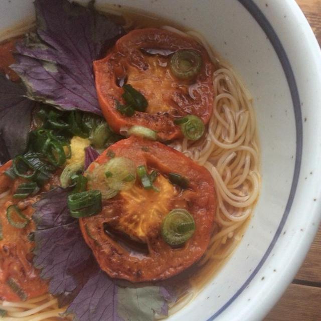 焼きトマトの素麺ごま油風味