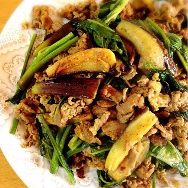 ラムと空芯菜のカレー炒め。