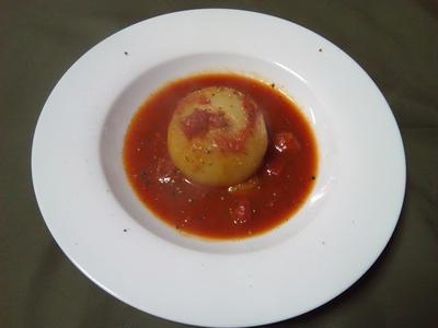 トロトロ崩れる柔らかさ!丸ごと玉ねぎのトマトソース煮