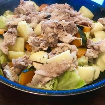 たった1品なのに5種類の野菜利用♪豚肉とヘルシー蒸し野菜