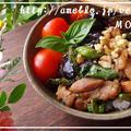 野菜たっぷりアジアンどんぶり(^^)揚げ茄子ししとうトマトとバジルでしっかり朝べジ♪ by MOMONAOさん