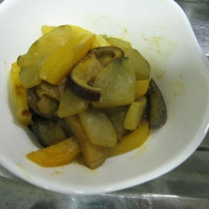 夏野菜の蒸し炒めカレー風味