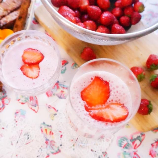 【レシピ】糖質オフでグルテンフリー・おからスパイスビスコッティといちごミルク いつかのおやつ