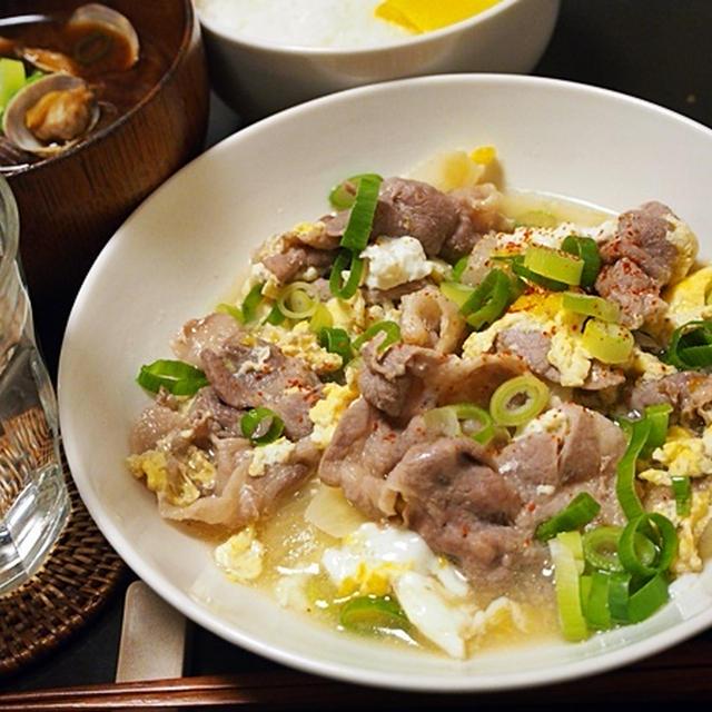 肉は弱火でサッと煮るのがコツ。豚肉と卵の他人煮