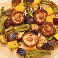 9月17日 火曜日 夏野菜と椎茸の焦がしにんにくバターグリル