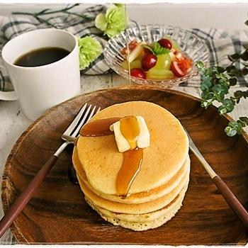 シンプルホットケーキの朝ごはんとらん丸さん
