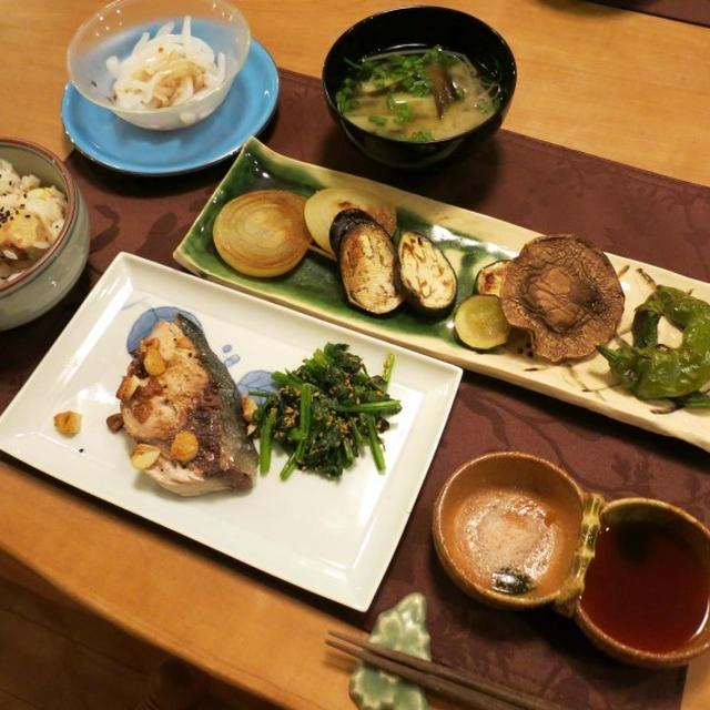 栗ご飯と自家製グリル野菜の晩ご飯 と 秋明菊の花♪