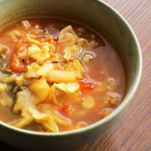 キャラウェイ風味〜キャベツとトマトのスープ