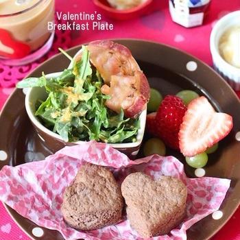 バレンタインの朝食にハートココアスコーン