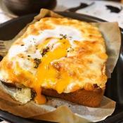 トロトロたまらん♪オレガノ風味の極上エッグトースト