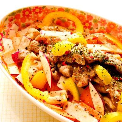紫大根とパリパリ豚肉の温サラダ♪
