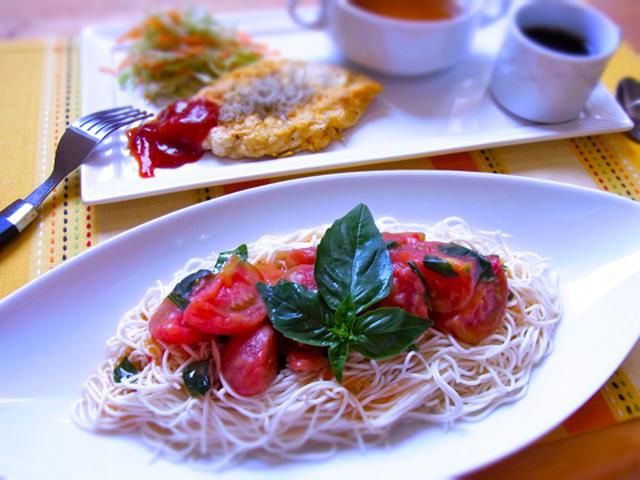 トマトとバジルの冷製豆腐素麺
