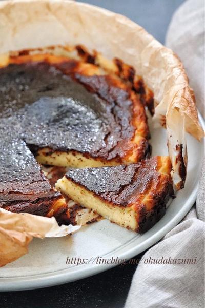 混ぜて焼くだけ!とろける柔らかさ*バスクチーズケーキ