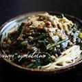 紅苔菜と納豆と卵のあんかけパスタ。