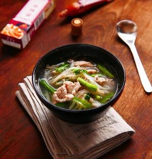 お手軽簡単★ニラともやしと豚肉の中華風スープ