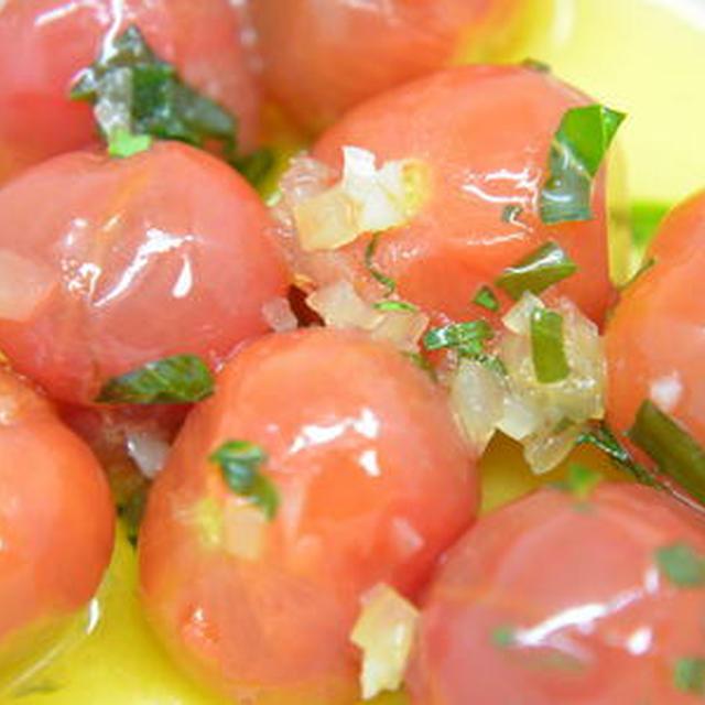 トマトのバジルオリーブオイル漬け