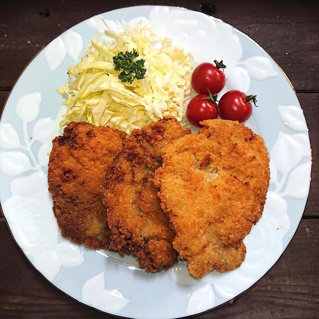 小麦粉でかさ増し、サクサクを超えたカリカリ豚カツ(豚肉、節約))