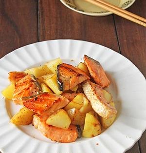フライパンで簡単お魚料理♪鮭とポテトのガーリックめんつゆバター☆連載