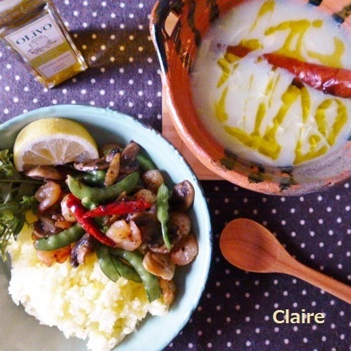 左下に海鮮炒めのような料理、右上にカルド・ヴェルデというじゃがいものスープ