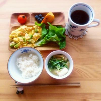 ■アボカドのスクランブルエッグの朝ごはん