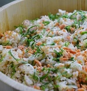 鮭の瓶詰めで簡単夏のちらし寿司