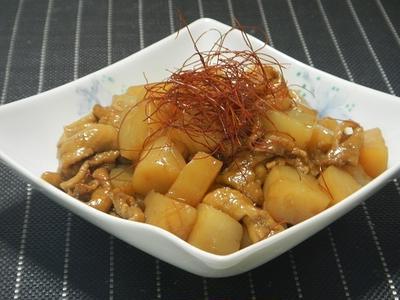 鶏皮とこんにゃくのピリ辛煮