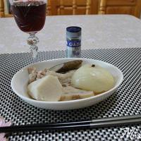鶏手羽元と根菜のポトフ