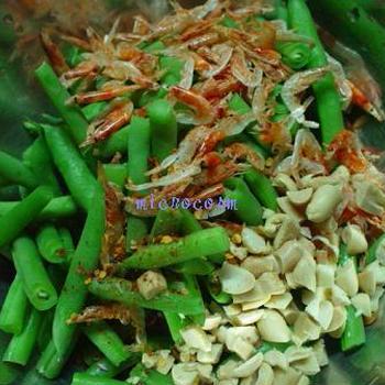 いんげんと桜海老のナンプラーサラダ
