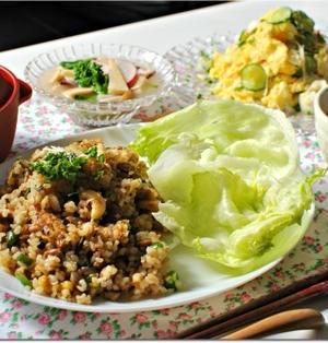 ☆簡単ガーリック風味の納豆焼き飯 レタスと共に / 10日の朝ごはん☆
