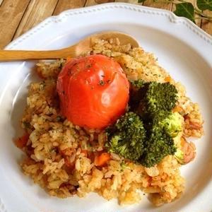 丸ごとポン!「トマトごはん」は、炊飯器を使って簡単調理がおすすめです♪