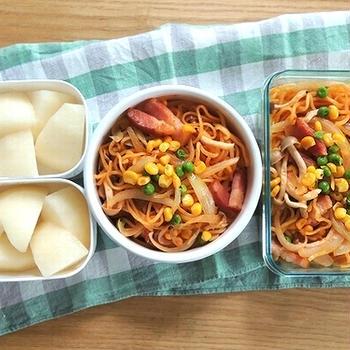 イタリアン焼きそば弁当と豚肉と大根の煮込みカレー