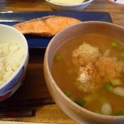 鶏団子の和風スープ