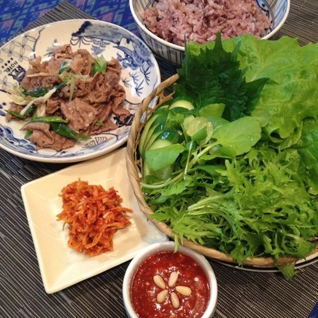 野菜もお肉も包んで包んで「サムパッ」。