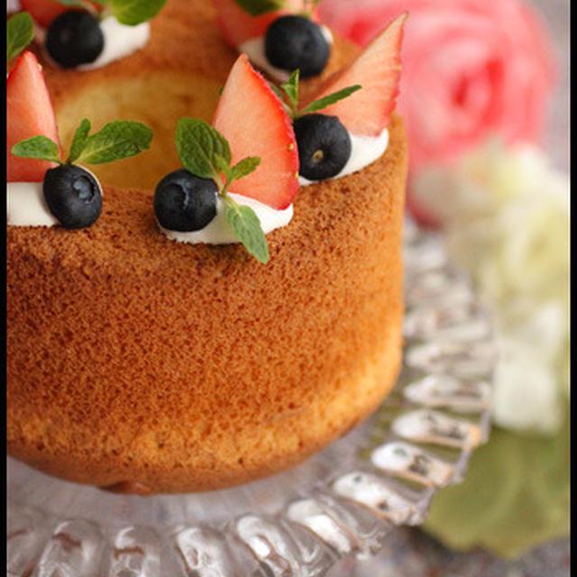 バレンタインにも♪ホットケーキミックスで簡単!もっちりしっとりバニラシフォンケーキ