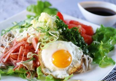 【サラダレモン蕎麦/焼きナス】今日の一人昼ご飯のご紹介と夕焼けです。