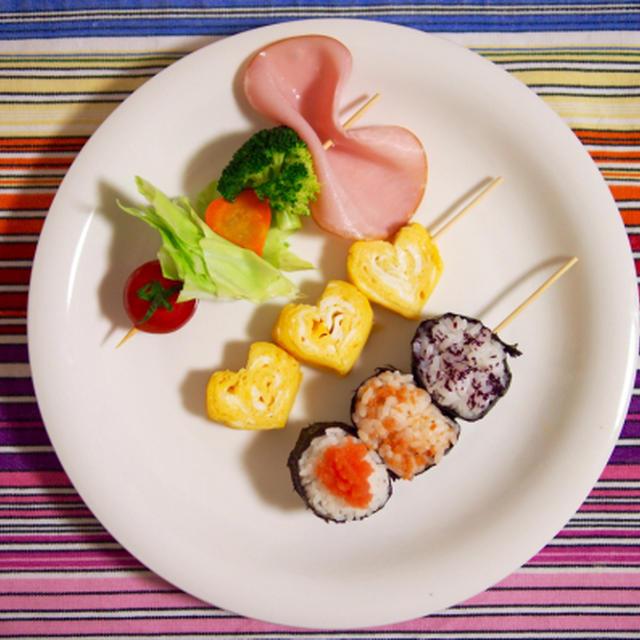 簡単朝ごはん!新提案♪「串ごはん」のワンプレート朝食*串にぎり*串サラダ*串卵焼き