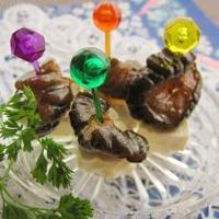 キューちゃんのオリーブオイル漬け+クリチーで、ピンチョス。