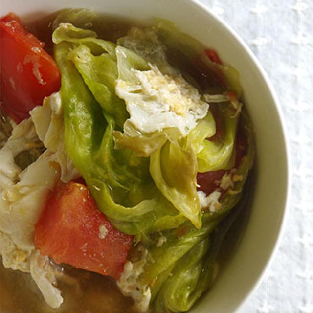 トマトとレタスのスープかけごはん