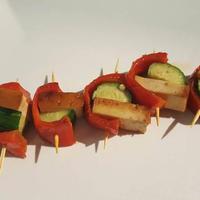 きゅうりとスモーク豆腐の赤ピーマン巻き