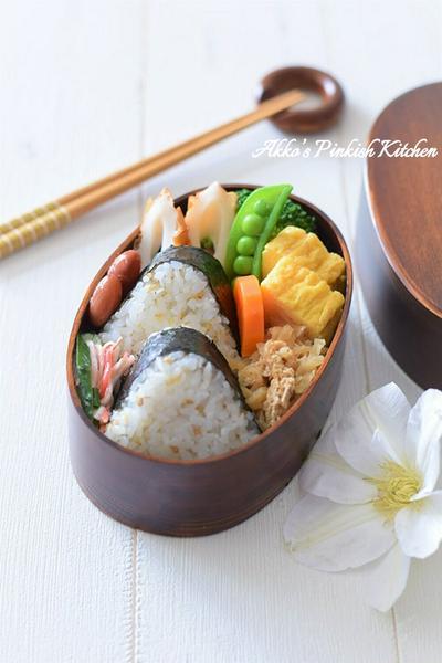 【和風おもてなし】わっぱ弁当(じゃこ胡麻おにぎり&切干大根の煮物)レシピ♪カルシウム強化弁当