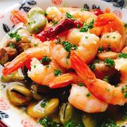 海老と空豆とマッシュルームのアヒージョ