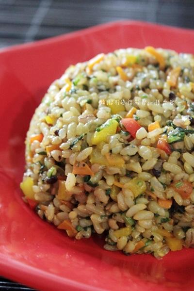 鰹香る♪♪雑穀玄米と夏野菜でおかかカレー炒飯。