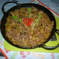豚焼き肉+剥きあさり+しめじのオリーブオイル炒め