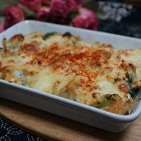 里芋とブロッコリーの味噌マヨグラタン