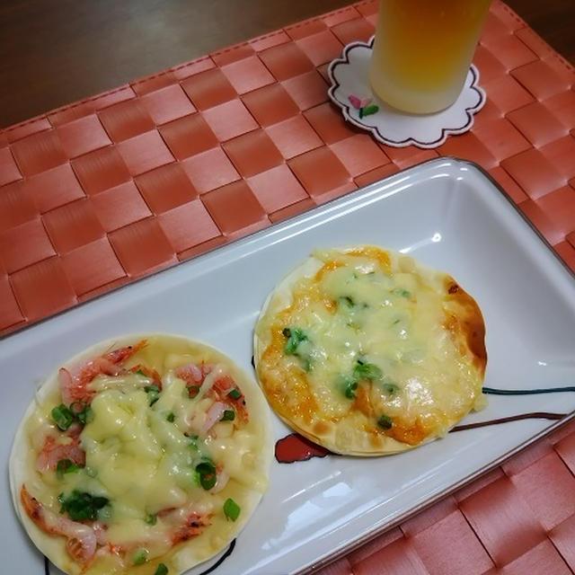 餃子の皮 de 桜海老のピザ&明太マヨのピザ