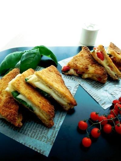食パンでおつまみ!モッツァレッラ・イン・カロッツァ