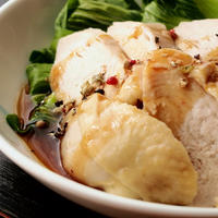 レンチンで!蒸し鶏と青梗菜のスパイシー餡かけ
