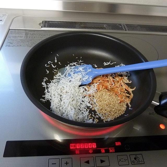 わかめたっぷり、静岡風、焼きこみご飯♪