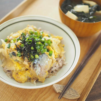 【料理リレー】すぐできる!サバ缶の卵とじ丼